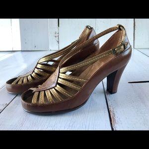 AEROSOLES Women's 8 Brow and gold heels